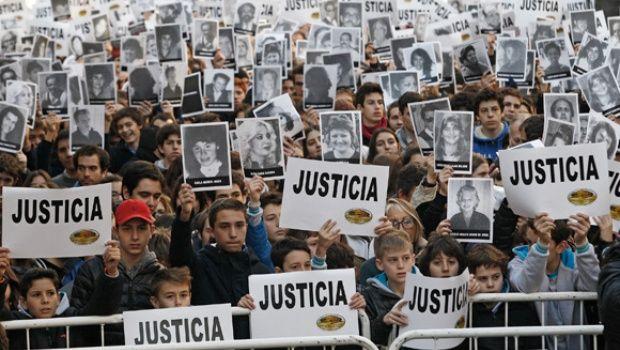 Acto en reclamo de justicia por el atentado a la AMIA. 18 de julio de 2016.