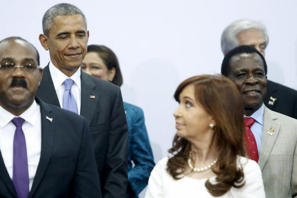 Cristina y Obama, cumbre de Panamá.  Abril 2015
