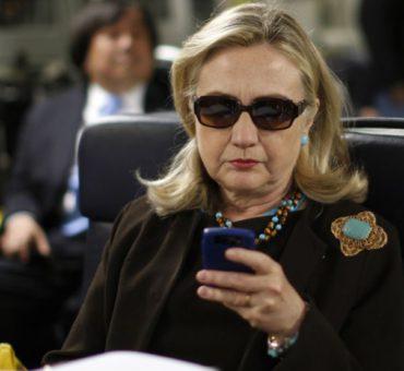 Hillary, tenés un email