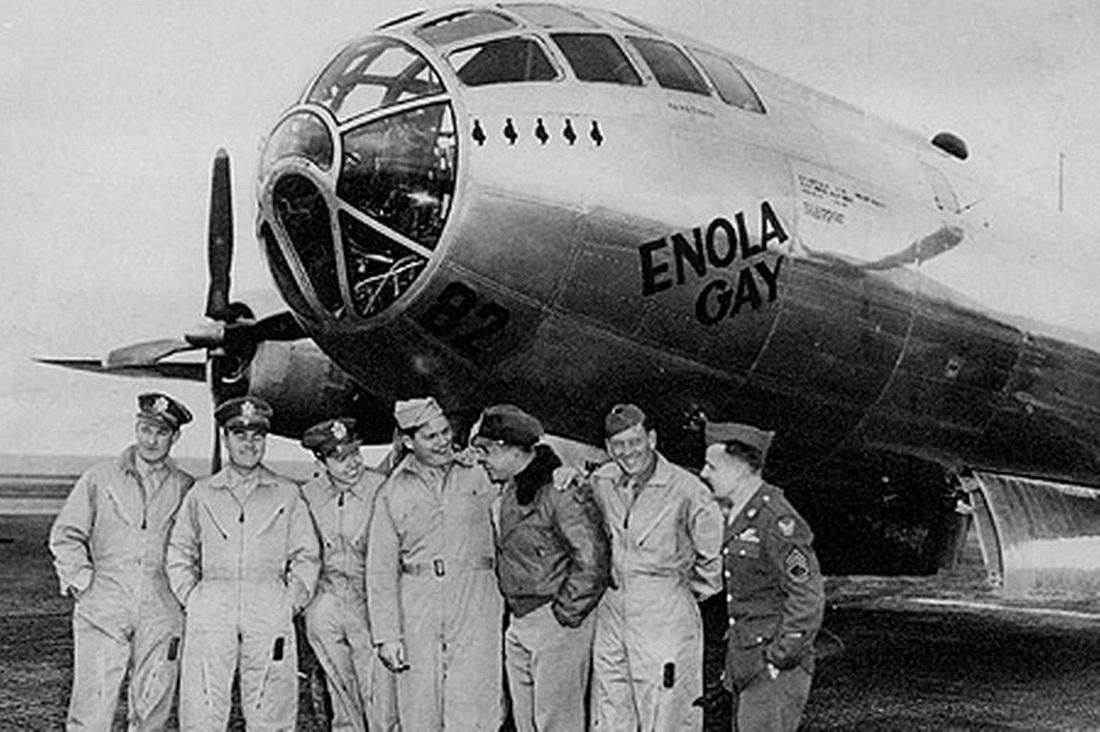 Enola Gay, el avión que lanzó sobre Hiroshima, la primera bomba nuclear.