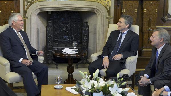 Tillerson, Macri y el ministro de Energía, Juan José Aranguren.