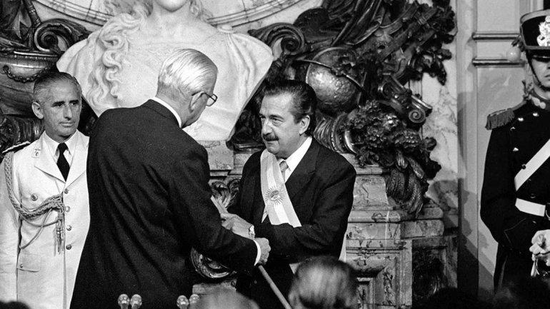 Asume Raúl Alfonsín. 10 de diciembre de 1983.