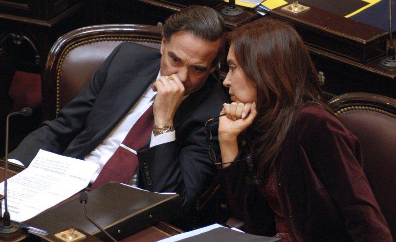 Miguel Angel Pichetto y Cristina Fernández, en el Senado. Enemigos íntimos.