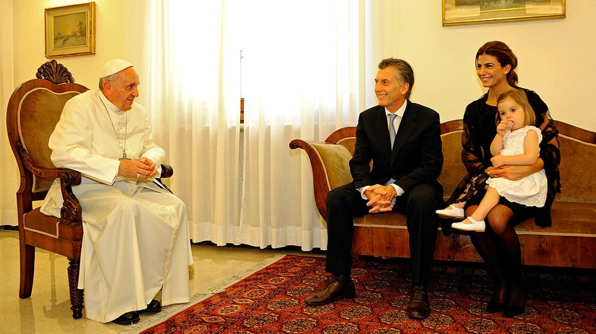 Francisco, Macri y su familia en el Vaticano