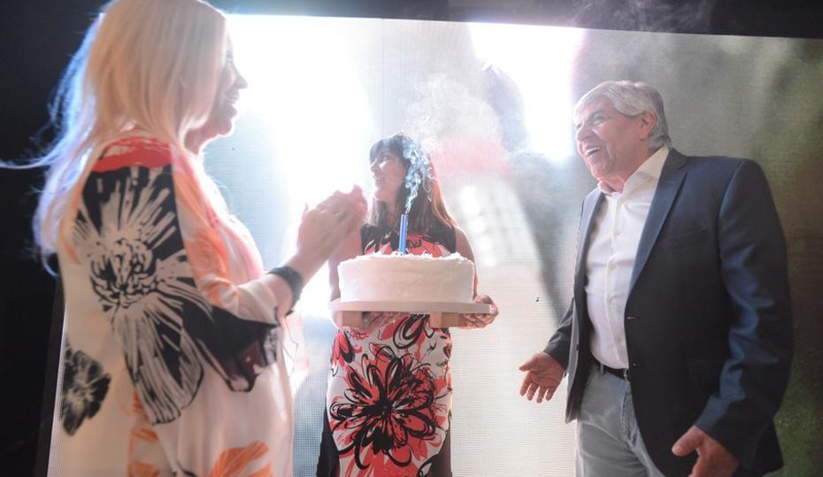 Moyano y Zulet festejan la apertura del sanatorio Antártida. Su construcción está bajo investigación judicial